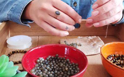 Partez à la découverte de la lithothérapie en créant votre bracelet bien-être !